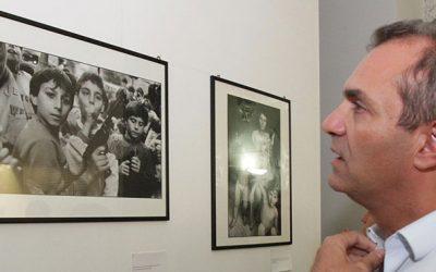 """""""Letizia Battaglia per Imbavagliati"""": la grande fotografa torna a Napoli dopo 24 anni"""